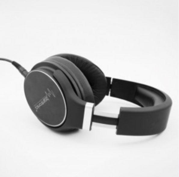 braintronics_headphone_storepic_02_lt